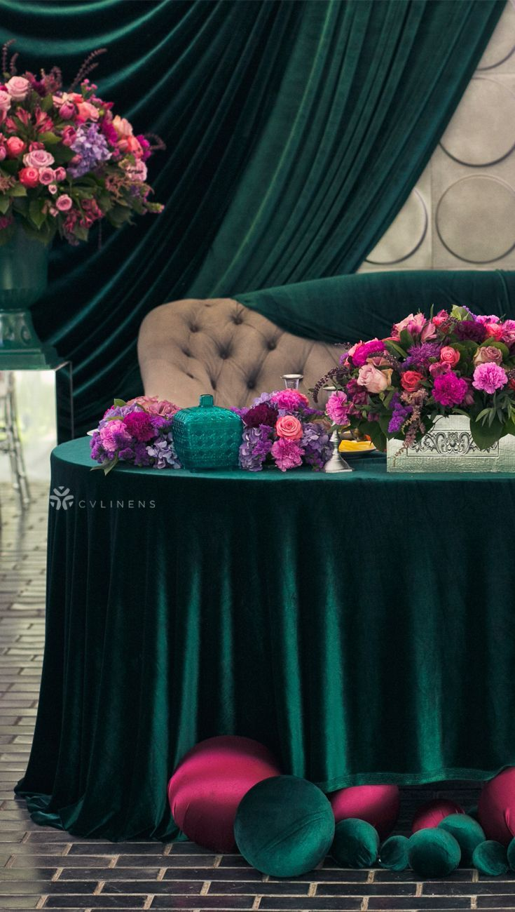 Velvet 120 Round Tablecloth Emerald Green In 2020 Green