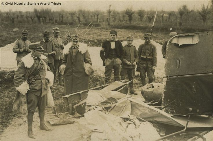 Aeroplano austriaco abbattuto davanti al generale Cadorna