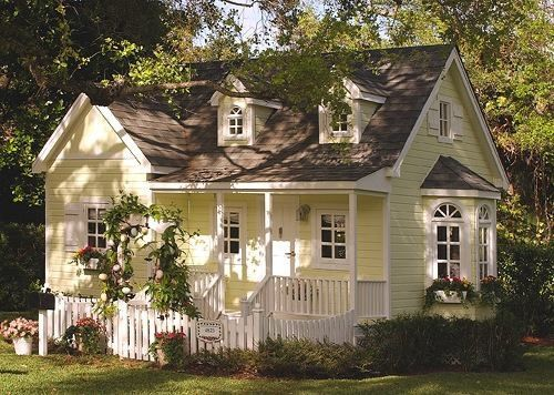 Okay so this is a playhouse but I love this house its so charming and cute, it just needs to be a little bigger!