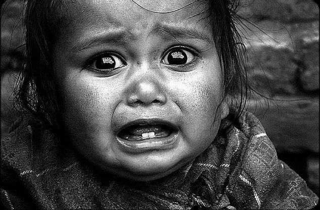 дети_родители_фото_ребёнок_плач_александрбаженов_старыйоскол