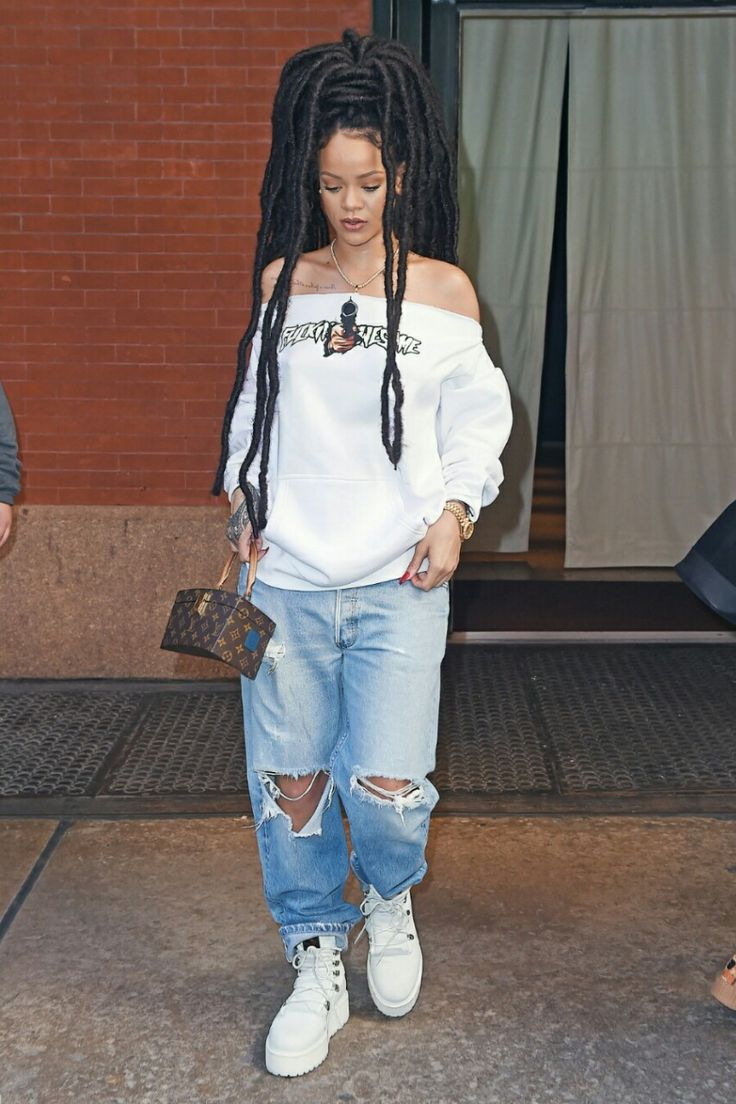 193 best images about Rihanna Outfits. on Pinterest | Rihanna and drake Rihanna and and In new york