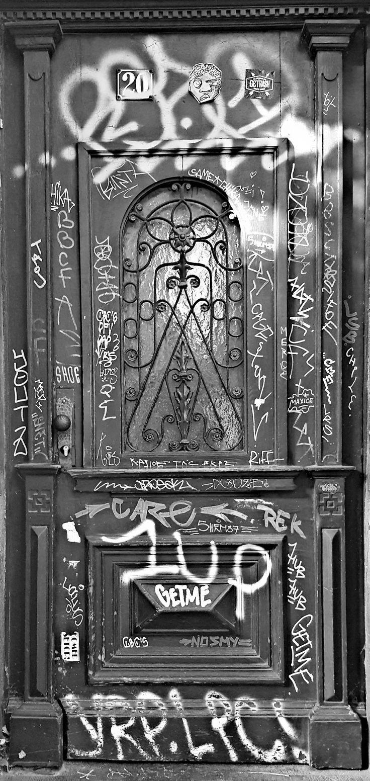 Enter and get 1UP... #week1 #cologne #doorart #streetart