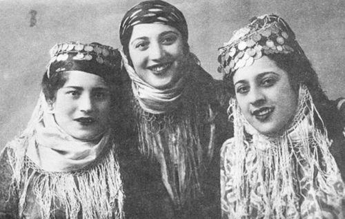 Kurds from Caucasus - three sisters (1940)