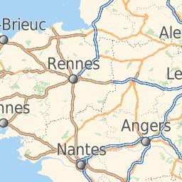 MAPPY vous permet de calculer votre itinéraire en voiture. Vous pouvez également calculer un itinéraire en transports en commun - http://fr.mappy.com/itineraire