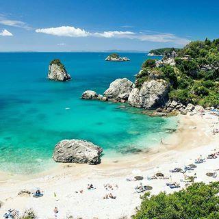 Piso Krioneri beach, PARGA (Η παραλία Πίσω Κρυονερίου στην πόλη της Πάργας στην Ήπειρο), Preveza, EPIRUS - GREECE     ⠀@mrphototravel⠀.