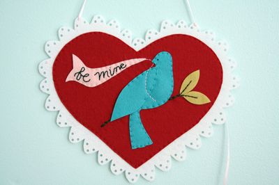 Bluebird Valentine Tutorial found at Sew Mama Sew! | http://fabricshopperonline.com/bluebird-valentine-tutorial-found-from-sew-mama-sew/