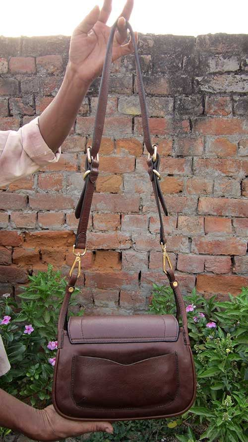 Raisin Gigi, Chiaroscuro, India, Pure Leather, Handbag, Bag, Workshop Made, Leather, Bags, Handmade, Artisanal, Leather Work, Leather Workshop, Fashion, Women's Fashion, Women's Accessories, Accessories, Handcrafted, Made In India, Chiaroscuro Bags - 3