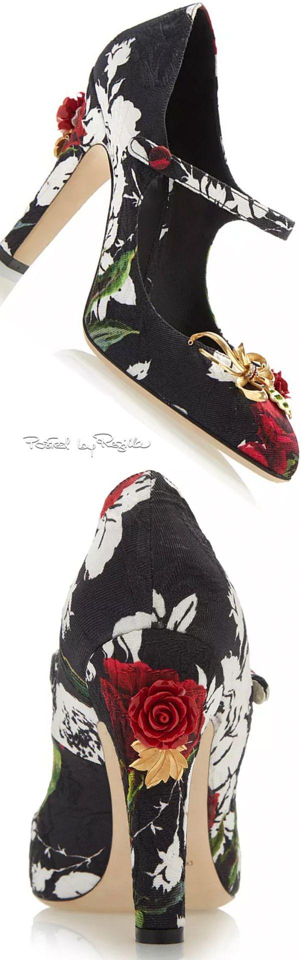 Regilla ⚜ Dolce & Gabbana Fall Winter 2015/16
