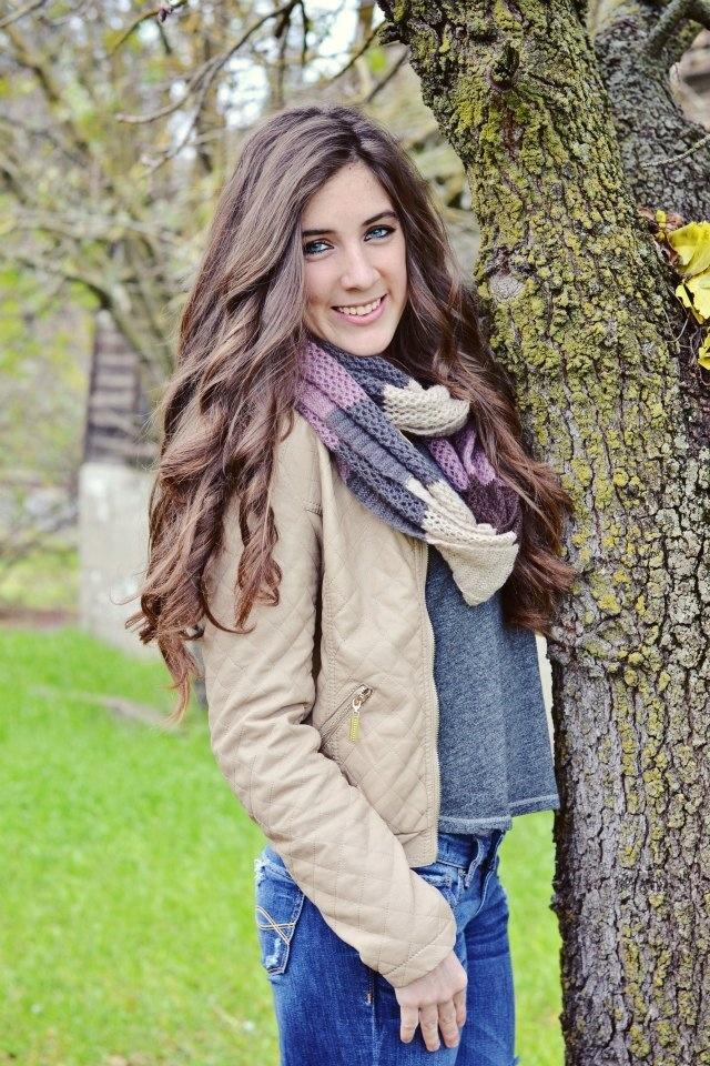 Senior portrait portraits photography girl teen model