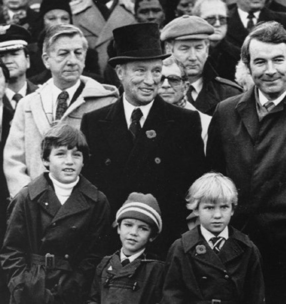 The Trudeau family. Pierre Eliott Trudeau (1919-2000) was the 15th Prime minister of Canada from March 3 1980 to June 3 1984. His son Justin Trudeau (December 25 1971). 23rd prime minister was elected November 4 2015. ~Chantal~