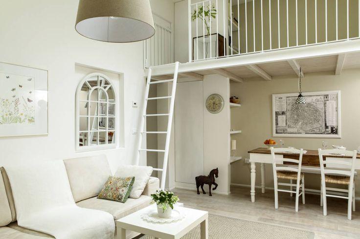 soggiorno : Classic style living room by Tommaso Bettini Architetto
