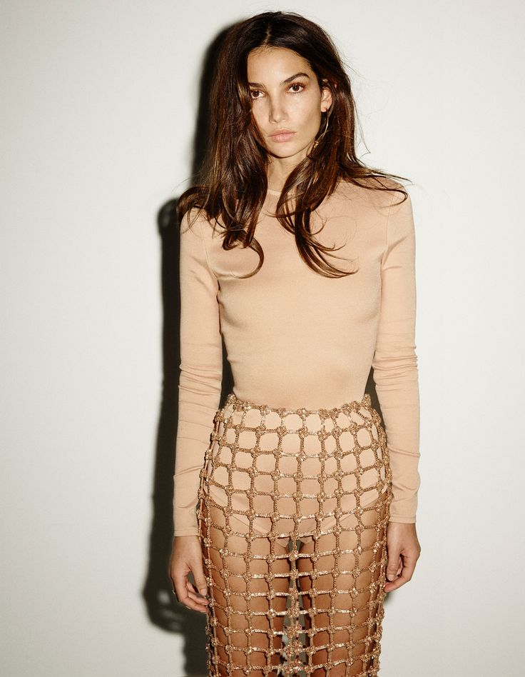 lily-aldridge-by-ezra-petronio-for-vogue-spain-january-2016-2.jpg