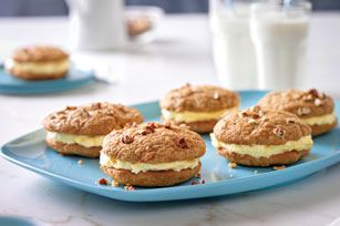 Take the classic flavors of carrot cake, and add nuts and a cream-cheesy filling. Then, just for kicks, turn it into an easy-to-make whoopie pie!
