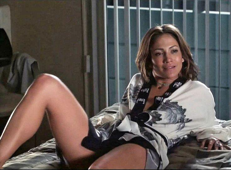 Jennifer Lopez on her Nude Ass in HUSTLERS PREMIERE! - YouTube