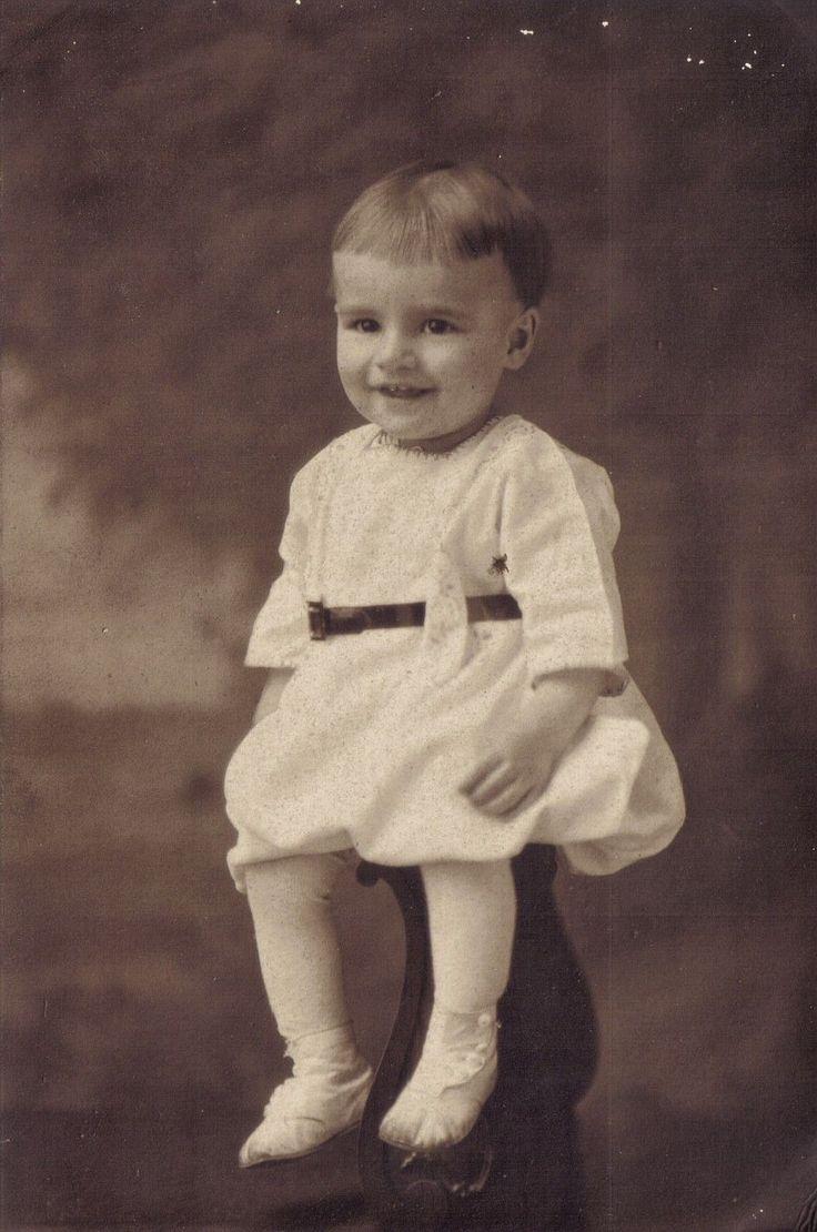 """1900""""s BABY BOY DRESSES SHOES STUDIO GRIESEMER DU BOIS PENN"""