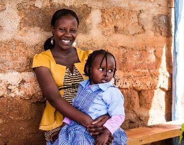 Penta Flowers Premiumprosjekt: Barnehagen finansiert av Fairtrade-premium har gitt Lucy og datteren trygghet i hverdagen.