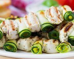 Roulés de courgettes en brochettes de poulet minceur : http://www.fourchette-et-bikini.fr/recettes/recettes-minceur/roules-de-courgettes-en-brochettes-de-poulet-minceur.html