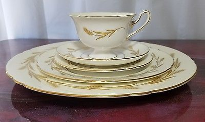 Shelley Golden Harvest 13685 Bone China 5 piece Set, Gainsborough Shape