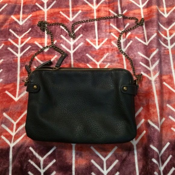 Urban outfitters purse Brandy Melville Pacsun From urban outfitters !! Silence and noise is the brand! Urban Outfitters Bags Shoulder Bags