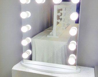M s de 1000 ideas sobre espejo de maquillaje en pinterest - Espejos con bombillas ...