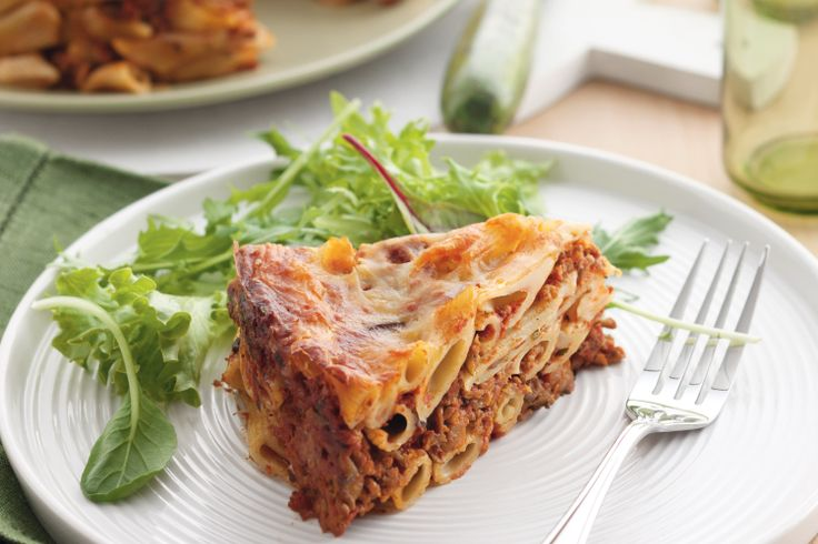 How do you cater when the whole family isn't home at the same time for dinner? With this easy-to-reheat pasta pie!