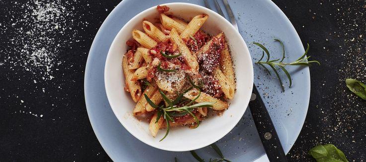 Pekoni-tomaattipastakastike