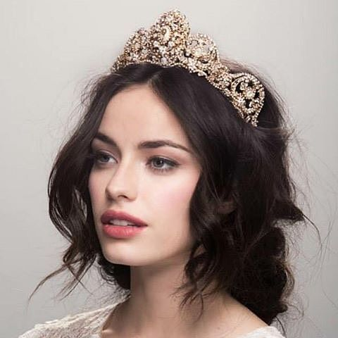 """Some """"crownspiration"""" to get your weekend started! We adore this gilded beauty…"""