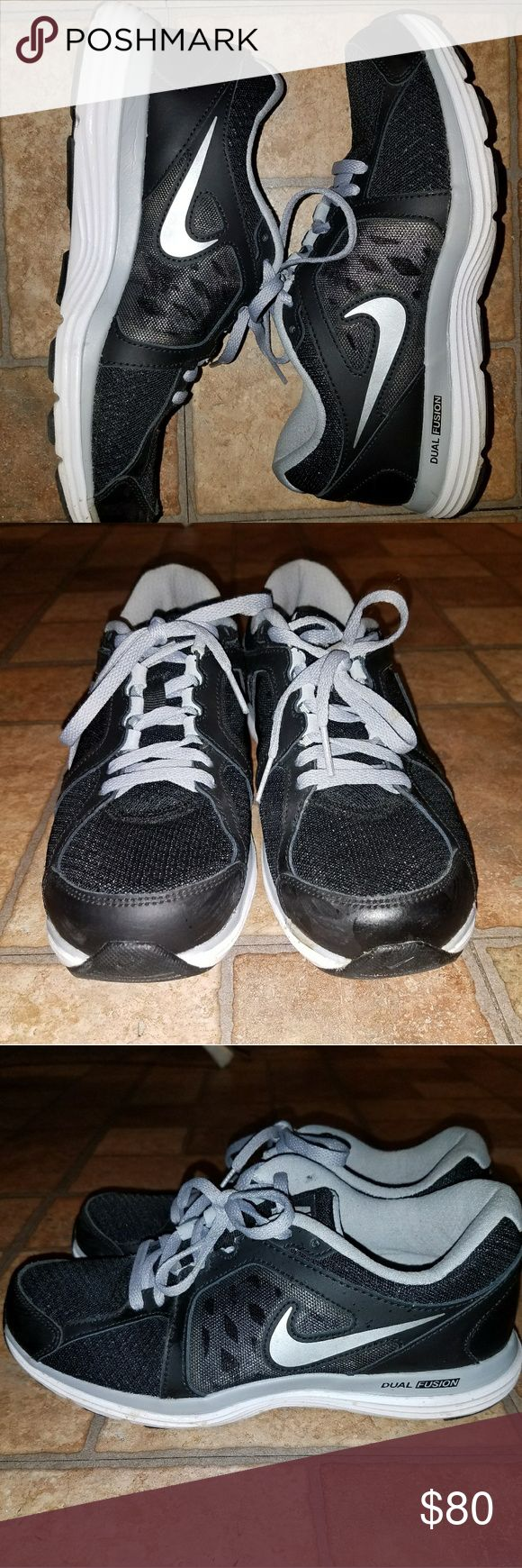 NIKE Dual Fusion Women's Shoes Brand New Condition Only Worn Twice. Black Gray And White. Nike Shoes Sneakers