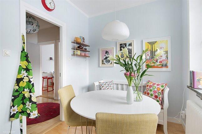 vill ha: kökssoffa och ljusblå väggar