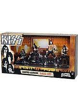Kiss - 4 character box of mini figures hinta 19,95 €.