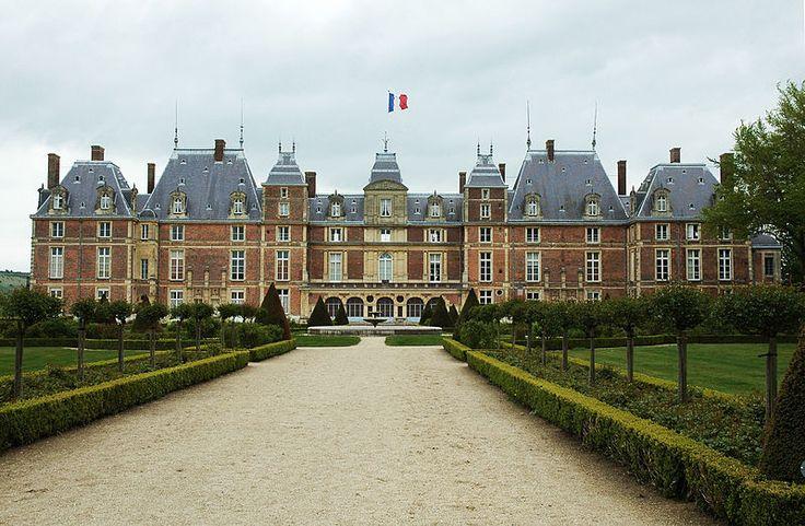 Chateau d'Eu, residence des Orleans-Bragance, familie imperiale brésilienne en France.