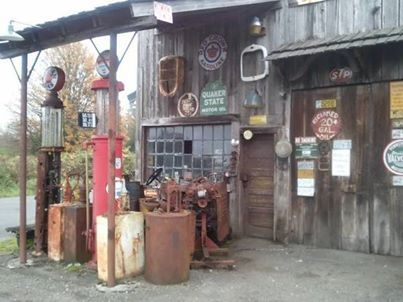 倫☜♥☞倫   old gas station ...♡♥♡♥Love it!