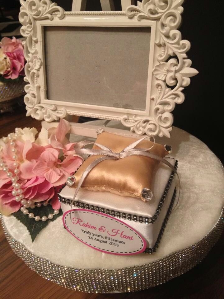 Mas Kawen Amp Cincin Gambar Perkawinan Perkawinan Rangkaian Bunga