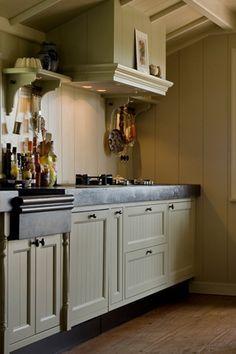 Groen keuken landelijk home design idee n en meubilair inspiraties - Oude meubilair dressoir ...