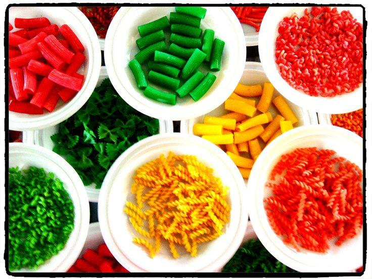 pates colorées, couleurs, teinture, bricolage enfant