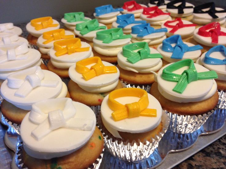 Tae kwon do cupcakes The Sweetest Thing - Cakes by Becky