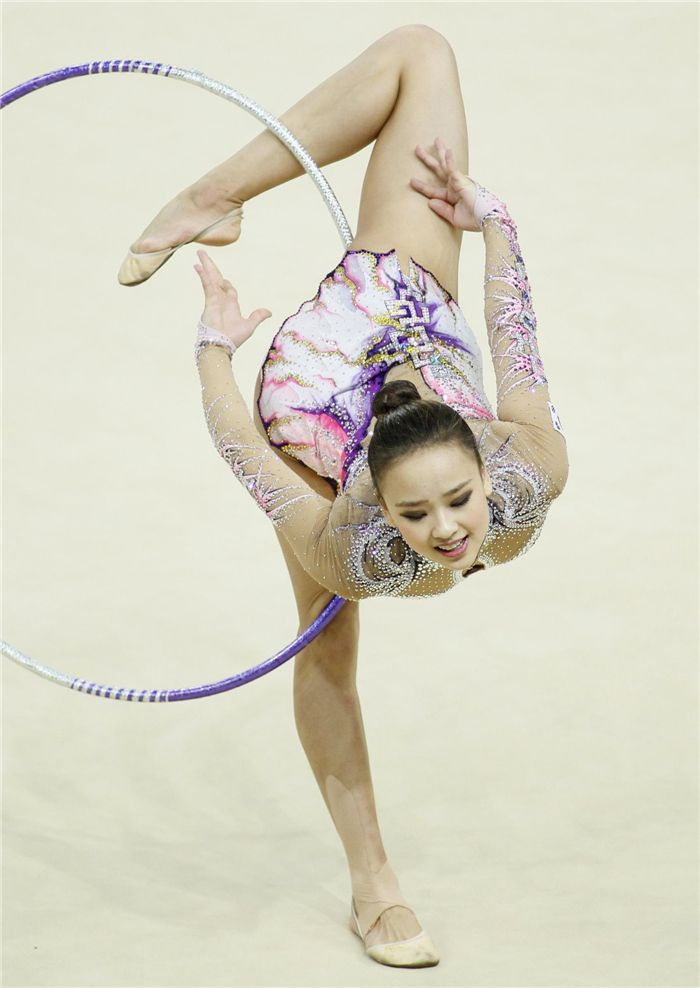 Son Yeon-jae of South Korea performs during the individual hoop competition final at the 32nd Rhythmic Gymnastics World Championships in Kiev, Aug 28, 2013.