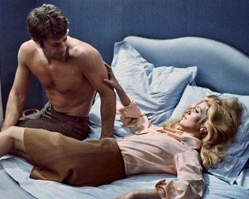 """Jean-Paul Belmondo et Catherine Deneuve in """"Male Hunt"""" (1964)"""