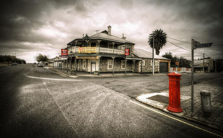 Country Town. Early morning streetscape in rural Strathalbyn, South Australia.
