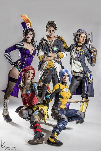 Borderlands 2 Group Cosplay (Yes these are Actual real people pretty amazing make up to match the games)