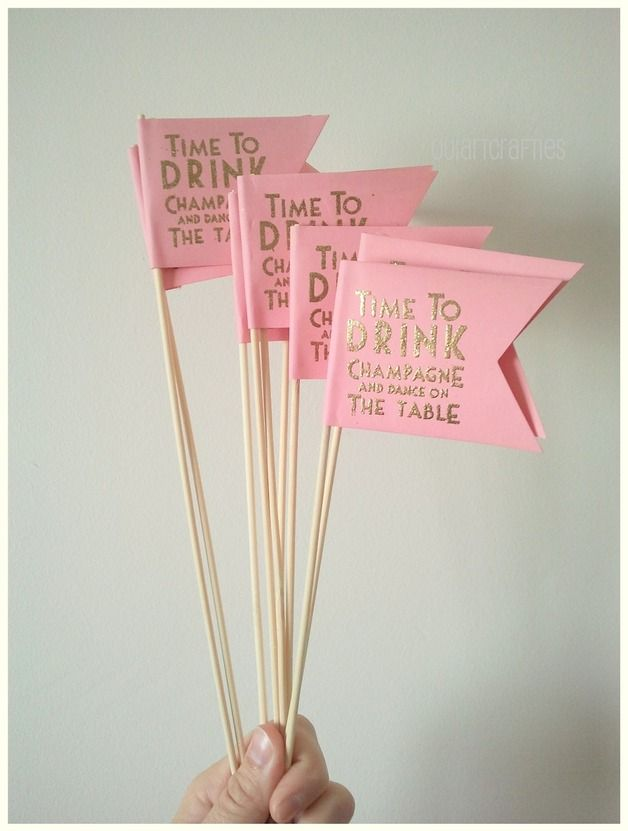 """Banderitas """"Time to drink Champagne and dance on the table""""-Ideales para decorar candybar.-Top cakes decoration pink and glitter-ouiartcrafties"""