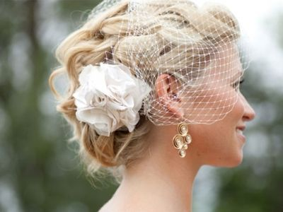 7 Excellent Points to Help You Pick a Wedding Hairstyle