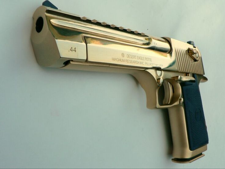 44 magnum desert eagle, gold plated or gold chromed.
