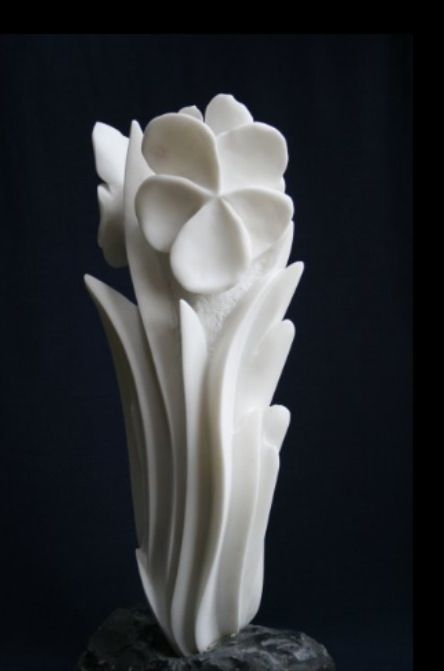 Marble sculpture by Gigi Guadagnucci, Italy