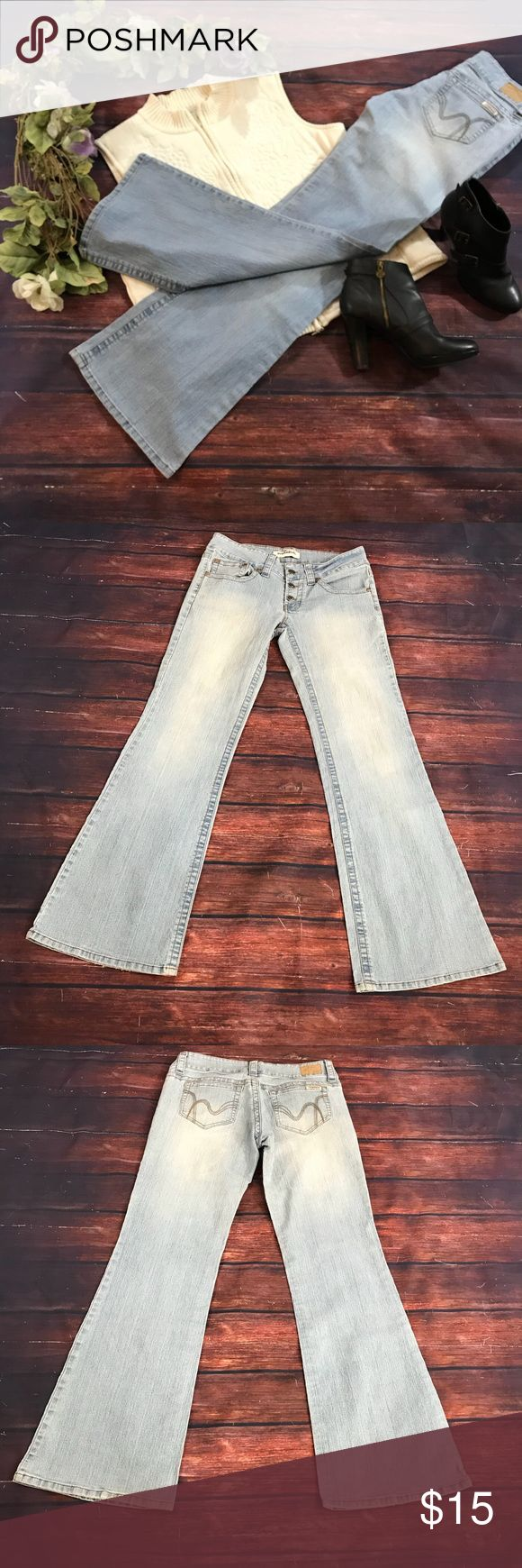 Hydraulic 11/12 light wash button up jeans Light wash 11/12 Hydraulic jeans. Three button closure.  Five pocket.  Light spot on front. See picture. Measurements in pictures.    (758) Hydraulic Jeans