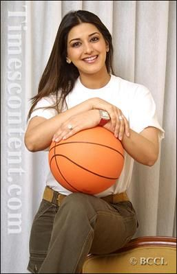Delhi Times captures the sporting side of actress Sonali Bendre, on her recent sojourn in the capital, New Delhi.