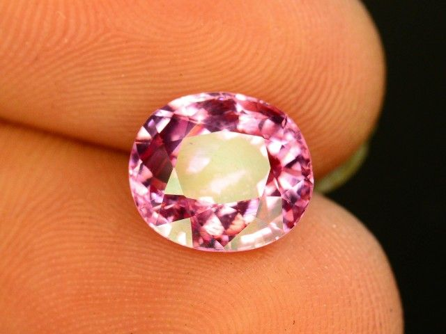 2.85 CT Untreated Sparkling Spinel~