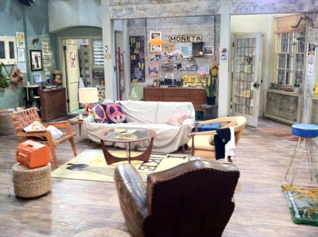love the shabby-chicness of Max's appartment from 2broke girls!! maybe decoration inspiration for my 1st place?