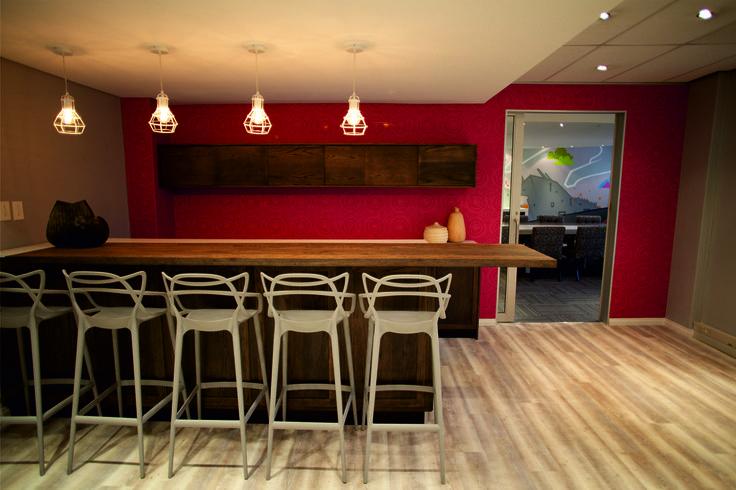 #Vumatel #Officebar #bar #office #interiordesign #work #Ontargetinteriors
