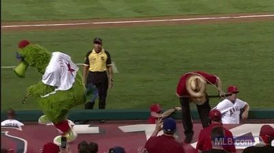 The Phanatic playing the banjo with proper technique